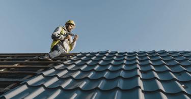 idées de travaux de rénovation améliorer une toiture de maison